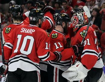 Чикаго вновь обыграл Филадельфию в финальной серии Кубка Стэнли. Фото: Jim McISAAC/Getty Images