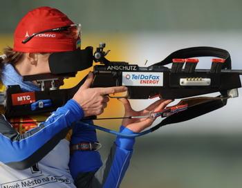 Российские биатлонистки выиграли бронзу в эстафете 4х7,5 км. Фото: Michal CIZEK/AFP/Getty Images