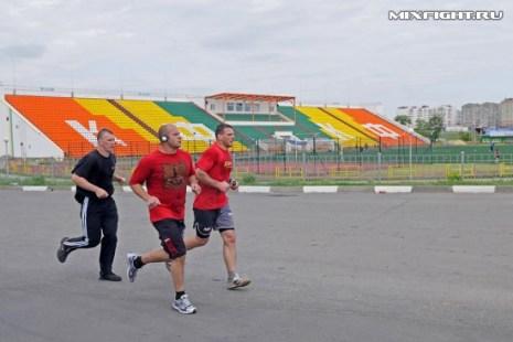 Пробежка на стадионе. Фото с сайта mixfight.ru