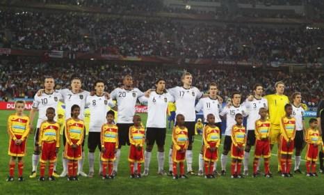 Южная Африка. Дурбан, стадион Дурбан: Германия – Испания. Фото: Clive ROSE/AFP/Getty Images