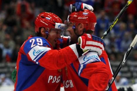 Сергей Федоров и  Виктор Козлов . Фото: Lars BARON/Bongarts/Getty Images