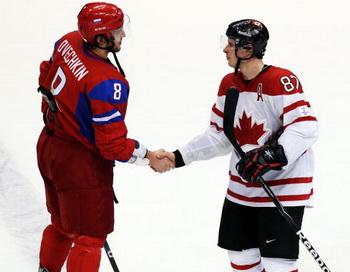 Первый канал покажет в прямом эфире матч Россия — Канада. Фото: Alex LIVESEY/Getty Images