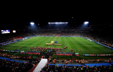 Южная Африка. Йоханнесбург. Стадион Эллис Парк: Бразилия – Чили. Фото: Clive MASON/AFP/Getty ImagesE, Roberto SCHMIDT/AFP/Getty Images