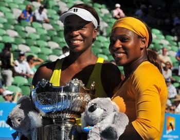 Сестры Винус и Серена Уильямс выиграли Australian Open. Фото: PAUL CROCK/AFP/Getty Images