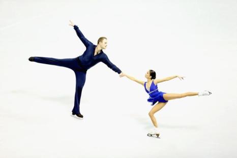 Вера Базарова и Юрий Ларионов на чемпионате мира по фигурному катанию. Фото: Ronald Martinez/Getty Images