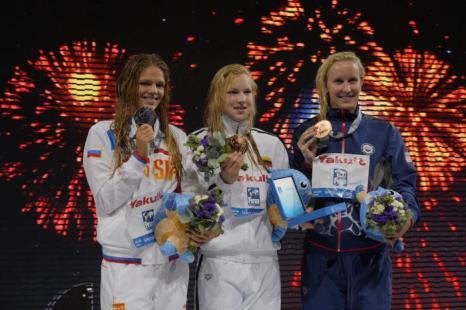 Юлия Ефимова завоевала серебряную медаль в плавании брасом на дистанции 100 метров в 11 день Чемпионата мира по водным видам спорта в испанской Барселоне 30 июля 2013 года. Фото: FABRICE COFFRINI/AFP/Getty Images