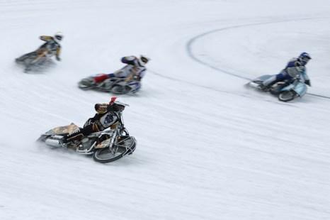 Финал Кубка России по мотогонкам на льду. Фото: Сергей Кузьмин/Великая Эпоха (The Epoch Times)