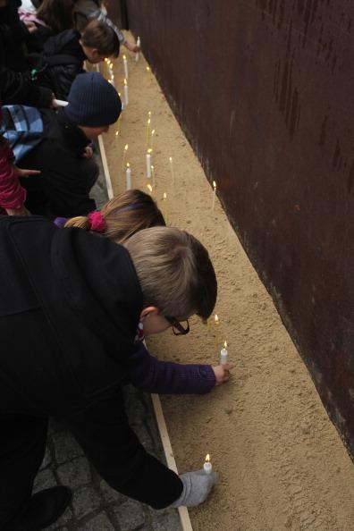 Берлин отмечает 22-ю годовщину падения Берлинской стены.  Фото: Sean Gallup/Getty Images
