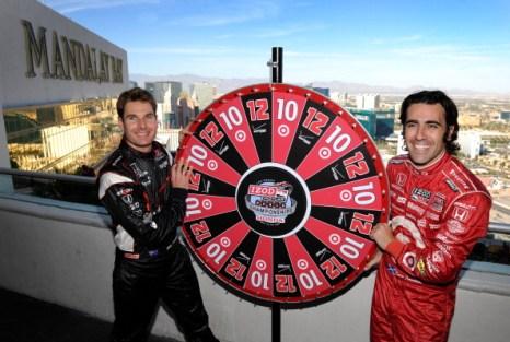 Фоторепортаж  о подготовке к Чемпионату мира IZOD IndyCar в Лас-Вегасе. Фото:  David Becker/Getty Images