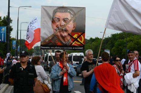 Матч второго тура Евро-2012 между сборными России и Польши состоялся в Варшаве 12 июня 2012. Фото: JANEK SKARZYNSKI/AFP/GettyImages