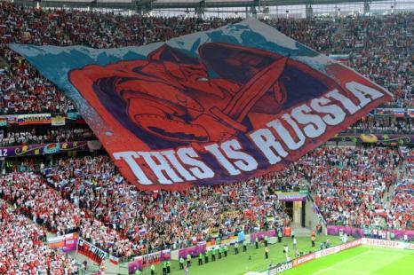 Матч второго тура Евро-2012 между сборными России и Польши состоялся в Варшаве 12 июня 2012. Фото: DIMITAR DILKOFF/AFP/GettyImages)