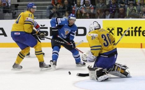 Сборная Финляндии разгромила в финале шведов со счетом 6:1 и завоевала золото. Фоторепортаж из Братиславы. Фото:  Martin Rose/Bongarts/Getty Images