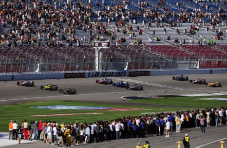 Дэн Уэлдон погиб в автокатастрофе в гонке IZOD IndyCar. Фоторепортаж из Лас-Вегаса. Фото: Robert Laberge/Getty Images