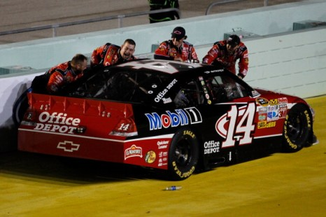 В NASCAR Sprint Cup Ford 400 победил Тони Стюарт. Фоторепортаж с трассы Homestead-Miami. Фото: Jared C. Tilton/Getty Images