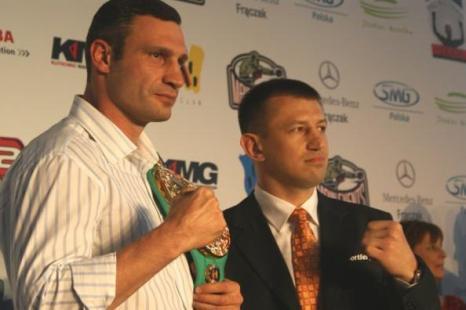 Фоторепортаж с пресс-конференции Виталия   Кличко и Томаша Адамека.  Фото с сайта: fightnews.ru