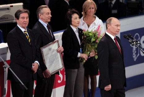 Владимир Путин посетил торжественное открытие  Чемпионата мира  по фигурному катанию 2011. Фото: Oleg Nikishin/Epsilon/Getty Images