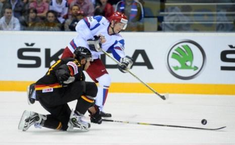 Сборная России по хоккею впервые проиграла Германии матч чемпиона мира. Фото: Martin Rose/Bongarts/Getty Images