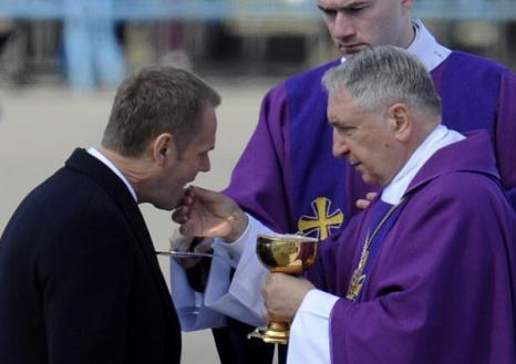 В Польше простились с жертвами авиакатастрофы под Смоленском. Фото: JOHN MACDOUGALL/AFP/Getty Images