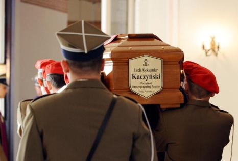 В Польше простились с жертвами авиакатастрофы под Смоленском. Фото: JACEK TURCZYK/AFP/Getty Images