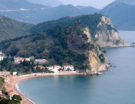 Петровац — населенный пункт в Черногории, расположен в 17 километрах от Будвы. Фото: Bratislav Tabas/commons.wikimedia.org