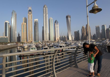 Поехать на отдых в ОАЭ вместе со своими детишками - это правильный выбор, поскольку на курортах этой страны созданы все условия, чтобы детишки смогли полноценно отдохнуть. Фото: KARIM SAHIB/AFP/GettyImages