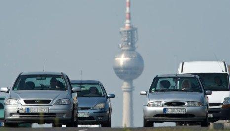 Дороги в Германии абсолютно бесплатны и это особенно радует, поскольку качество их восхитительное. Фото: JOHN MACDOUGALL/AFP/GettyImages
