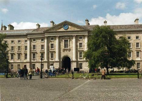 Тринити-колледж — старейшее и самое престижное высшее заведение Ирландии. Фото: Matpib/commons.wikimedia.org