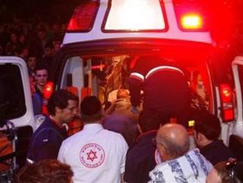 Хэзи в машине скорой помощи. Фото: Яира Ясмин (Epoch Times Israel)