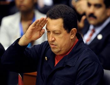 Оппозиционные парламентарии утверждают, что президент использует удобный момент для того, чтобы укрепить свою власть. Фото: YURI CORTEZ/AFP/Getty Images