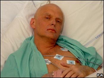 Александр Литвиненко в больнице. Фото: Natasja Weitsz/Getty Images