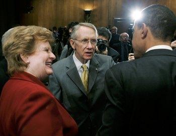 Сенатор США Гарри Рид принес извинения Бараке Обаме. Фото:  Mark Wilson/Getty Images