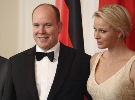 Принцесса Монако Шарлин  и принц Альберт II  в Берлине посетили правительственный ужин.  Фоторепортаж. Фото: Andreas Rentz/Getty Images