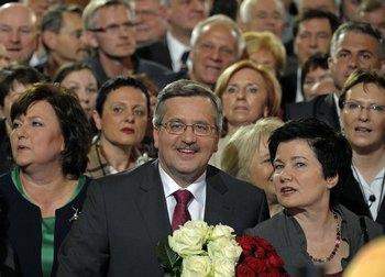 Бронислав Коморовский лидирует на президентских  выборах в Польше. Фото: JANEK SKARZYNSKI/AFP/Getty Images