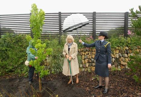 Камилла и принц Чарльз посетили Heartlands Community Regeneration в городе Труро. Фоторепортаж. Фото: Chris Jackson/Getty Images