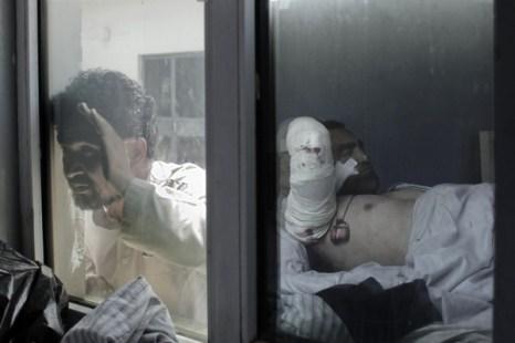 После террористической атаки террориста-смертника 20 раненых были госпитализированы. Фоторепортаж. Фото:  MAURICIO LIMA/AFP/Getty Images