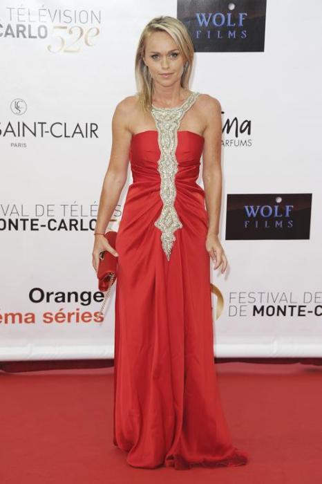 Знаменитости на церемонии открытия телевизионного фестиваля в Монте-Карло. Cecile de Menibus. Фоторепортаж. Фото: Pascal Le Segretain/Getty Images