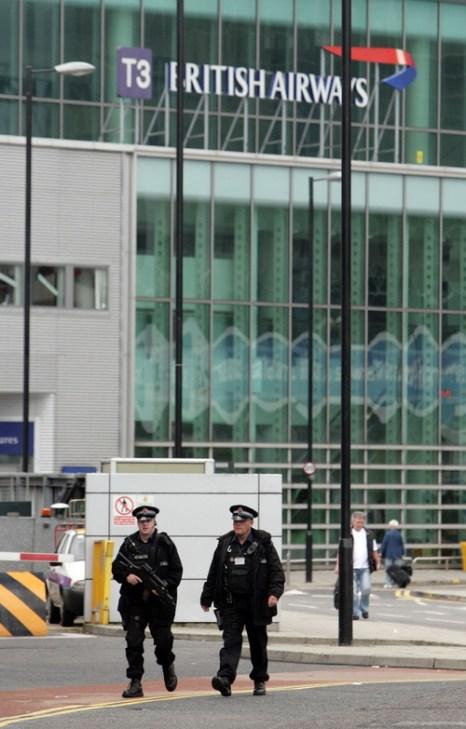 Аэропорт в Манчестере. 11-летний улетел без билета в Рим 25 июля 2012 г. Фото: Christopher Furlong/Getty Images