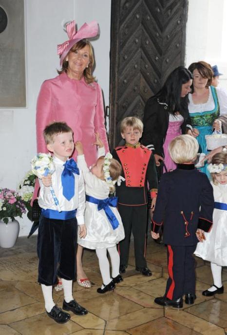 Гости  на свадьбе принцессы  Фелипы фон Бавария. Princess Ursula von Bayern. Фоторепортаж. Фото: Hannes Magerstaedt/Getty Images
