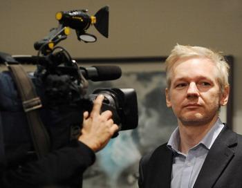 Джулиан Асанж предстанет 7 и 8 февраля перед судом в Лондоне. Фото: BEN STANSALL/AFP/Getty Images