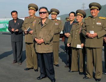 Ким Чен Ир, глава КНДР, через неделю отправится на пенсию. Фото: KNS/AFP/Getty Images