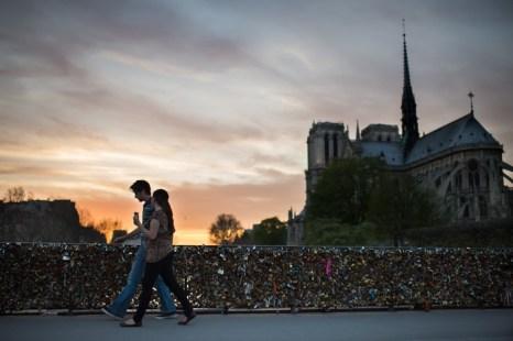 Собор Нотр-Дам-де-Пари. Фото: MARTIN BUREAU/AFP/Getty Images