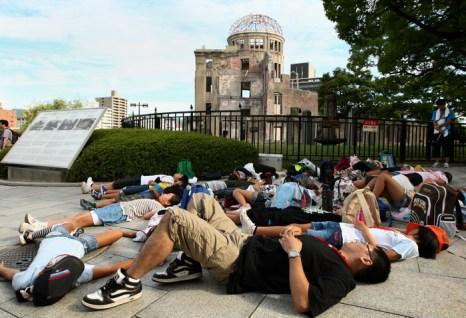 В день 67-й годовщины бомбардировки Хиросимы многие протестовали против применения атомной энергетики. Фото: Buddhika Weerasinghe/Getty Images