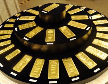 Слитки золота. Фото: YOSHIKAZU TSUNO/AFP/Getty Images