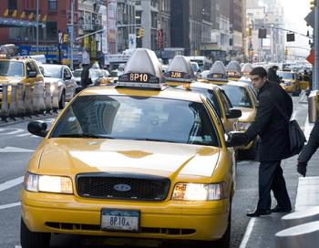 Такси в Нью-Йорке. ФОто: DON EMMERT/AFP/Getty Images