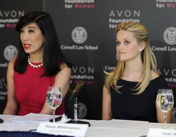 Топ-менеджеров Avon заподозрили во взяточничестве. Фото: Larry Busacca/Getty Images for Avon