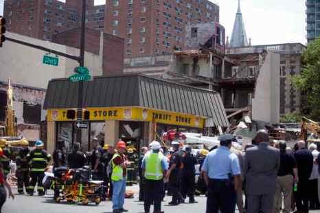 В Филадельфии обрушилось здание, 6 человек погибли. Фото: Jessica Kourkounis/Getty Images