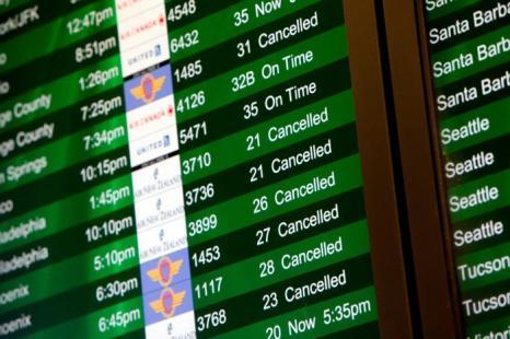 Аэропорт Сан-Франциско когда самолёт Boeing-777 потерпел крушение 6 июля 2013 года. Погибло 2 человека, 181 пострадало.  Фото: Sarah Rice/Getty Images