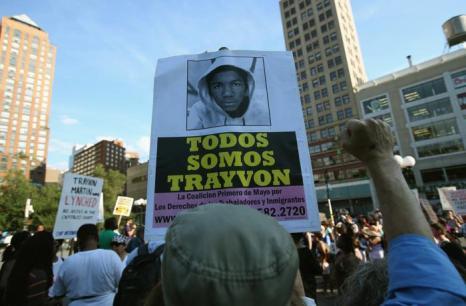 Тысячные акции протеста начались в Нью-Йорке после вынесения оправдательного приговора Джорджу Циммерману, убившему афроамериканского подростка в Сэнфорде (США) 15 июля 2013 года. Фото: John Moore/Getty Images