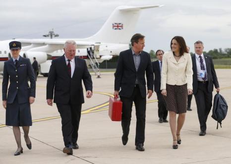 Премьер-министр Великобритании Дэвид Кэмерон прибыл на саммит G8. Фото: Suzanne Plunkett-WPA Pool/Getty Images