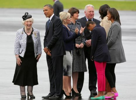 Президент США Барак Обамаприбыл на саммит G8 вместе с дочерьми Сашей и Малией. Фото: Peter Muhly - WPA Pool/Getty Images